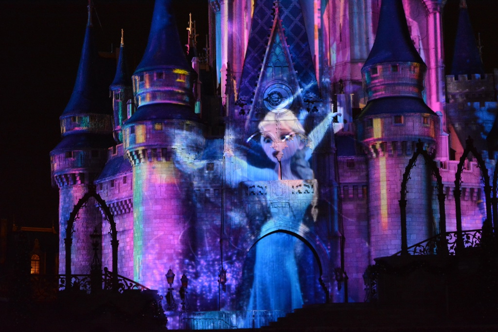 Frozen Additions to Celebrate the Magic Castle Projection Show