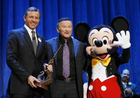 ROBERT IGER (PRESIDENT AND CEO, WALT DISNEY COMPANY), ROBIN WILLIAMS, MICKEY MOUSE