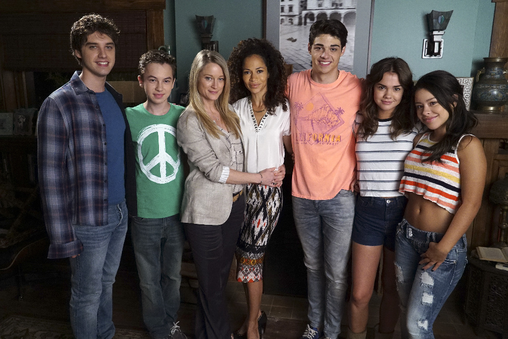 ABC Family Renews The Fosters for Season 4