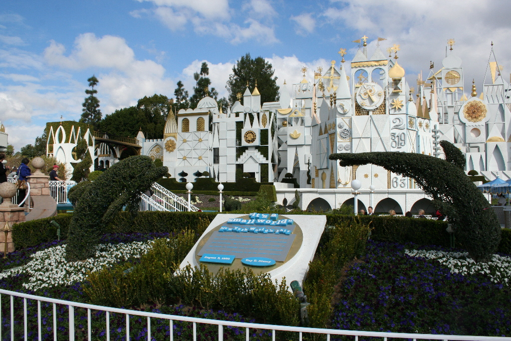 """Writers Hired for """"It's a Small World"""" Movie in the Works at Disney"""