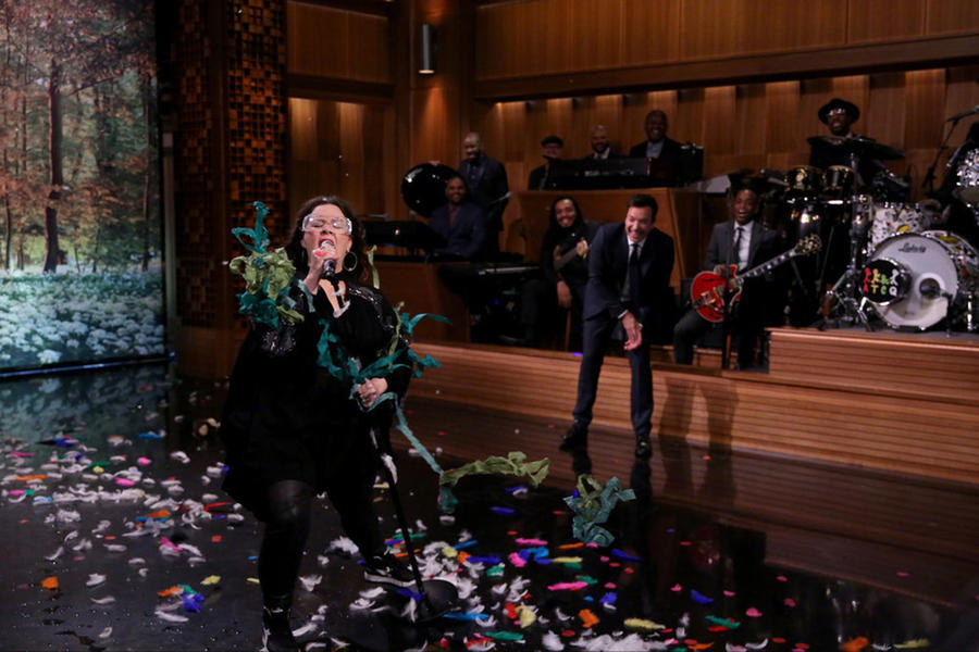 """Melissa McCarthy's Literal Rendition of """"Colors of the Wind"""""""