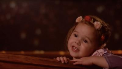"Father and 3-Year-Old Daughter Recreate ""I See the Light"" from ""Tangled"""