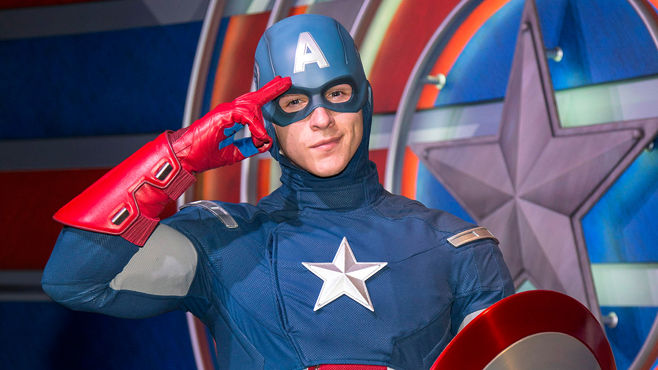 Captain America Surprises Deaf Guest by Signing, Warms Everyone's Heart in the Process