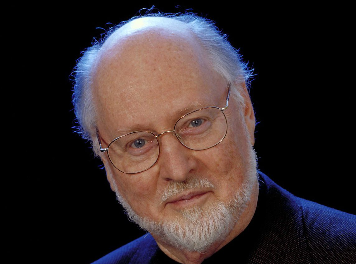 """Composer John Williams Surprises Two Musicians Who Play """"Star Wars"""" Theme on His Lawn"""