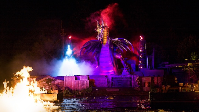 Fantasmic! Updates to Include Pirates, the Genie, and Rapunzel