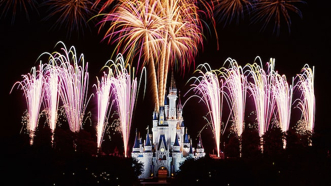 Disney Extinct Attractions: Wishes and BraviSEAmo!