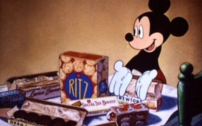 Review: Mickey Mouse 90th Anniversary Oreo Cookies