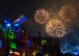 """Review: """"Mickey's Mix Magic"""" Doesn't Compare to Past Disneyland Nighttime Spectaculars, and That's a Good Thing"""