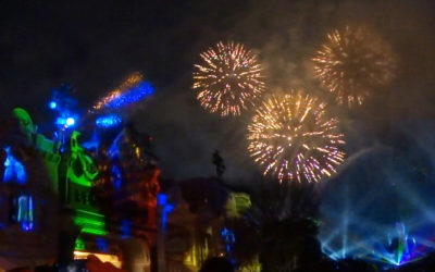"Review: ""Mickey's Mix Magic"" Doesn't Compare to Past Disneyland Nighttime Spectaculars, and That's a Good Thing"