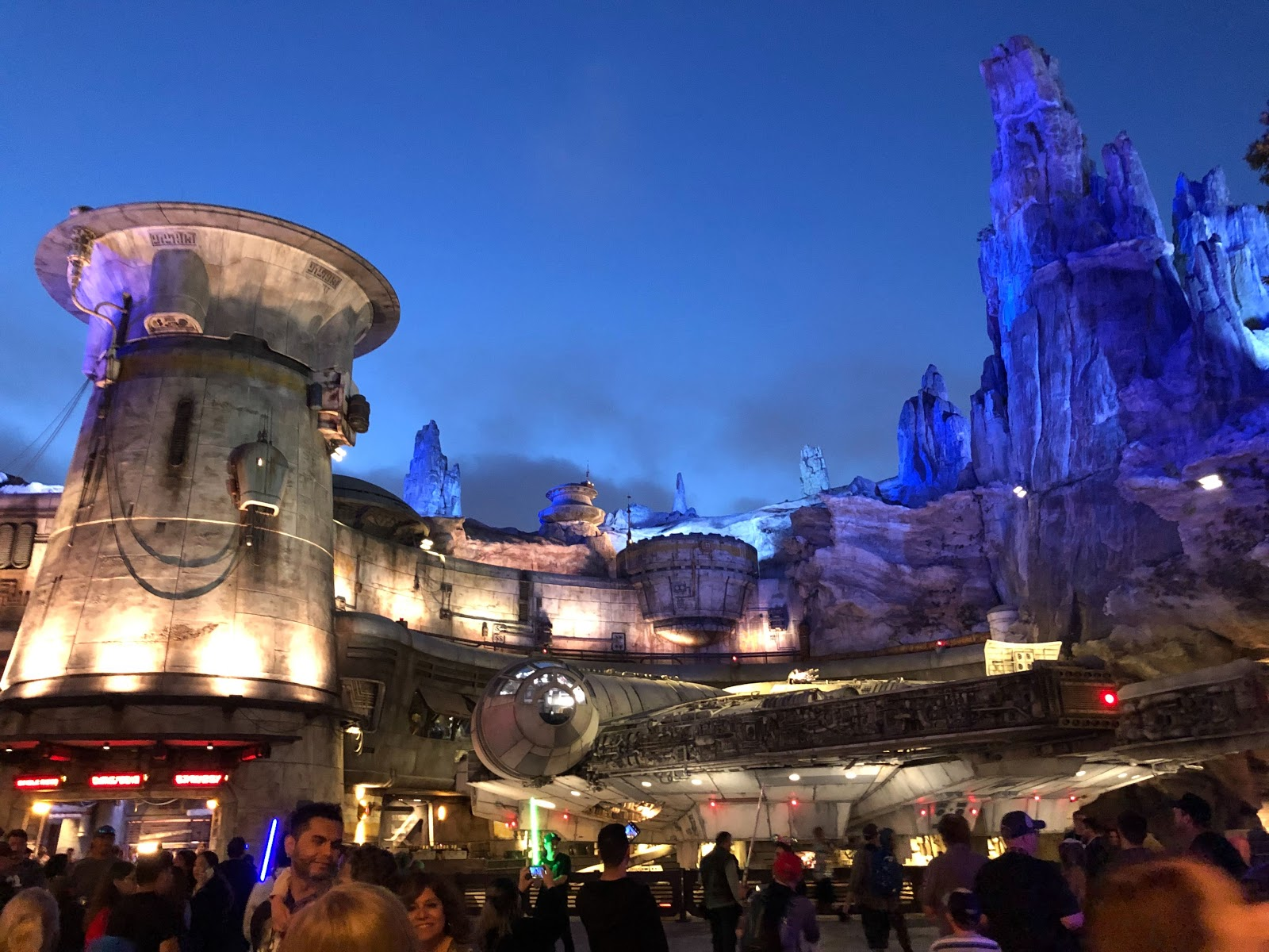 I Spent An Entire Day In Star Wars Galaxy S Edge And This Is What I Learned Laughingplace Com