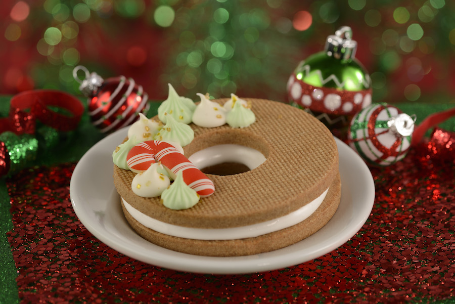 Festive Holiday Wreath from ABC Commissary for Holidays 2019 at Disney's Hollywood Studios