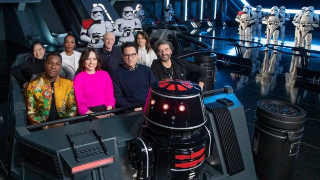 Star Wars The Rise Of Skywalker Cast Previews Star Wars Rise Of The Resistance In Disneyland Laughingplace Com