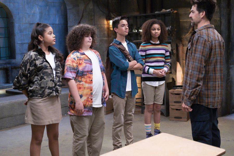 """Film Review: """"Upside-Down Magic"""" (Disney Channel) - LaughingPlace.com"""
