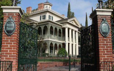 Fans are Re-Creating Disneyland's Haunted Mansion Scene-By-Scene for Halloween... and You Can Help
