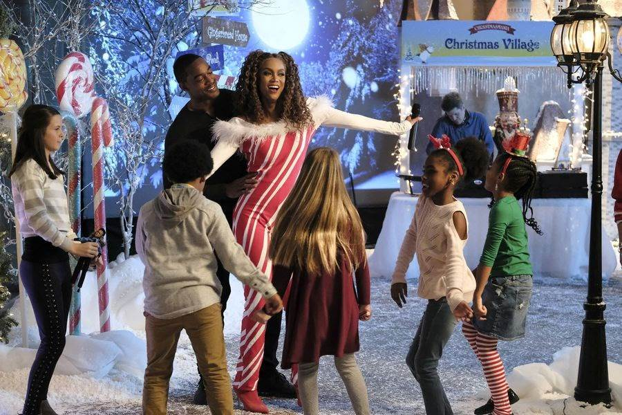 """Freeform Movie Review: """"Life-Size 2"""" - LaughingPlace.com"""