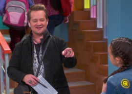 """Hannah Montana"" Star Jason Earles to Guest Star on Parody Episode of ""Just Roll With It"""