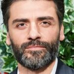 """Oscar Isaac Reportedly in Talks to Star in Marvel's """"Moon Knight"""" on Disney+"""