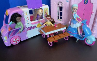 Toy Review: Disney Princess Comfy Squad Castle, Sweet Treats Truck and Dolls by Hasbro