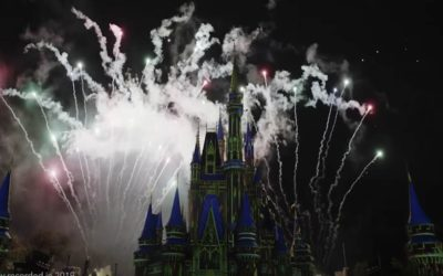"""Disney World Releases Professional Recording of """"Minnie's Wonderful Christmastime Fireworks"""""""